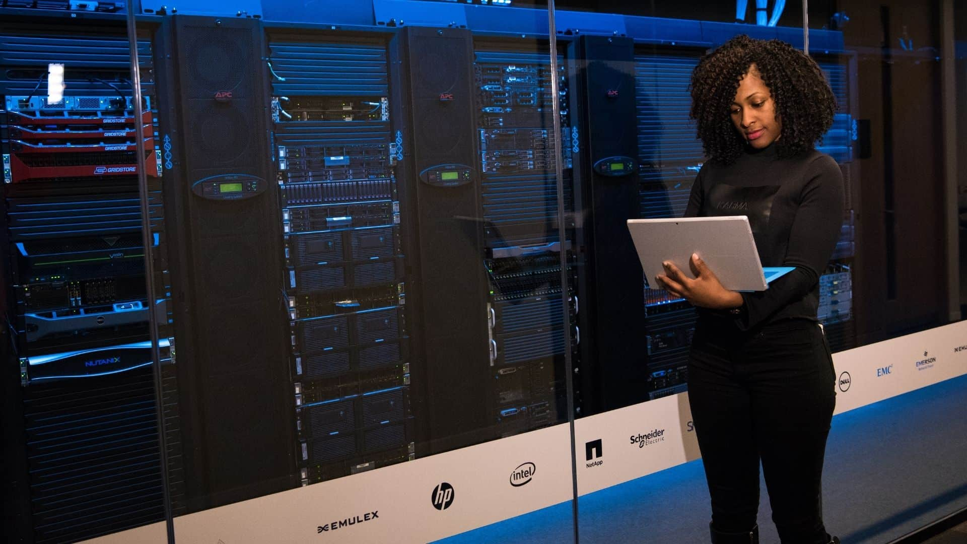 Why You Need a Dedicated Hosting Server for Your Website